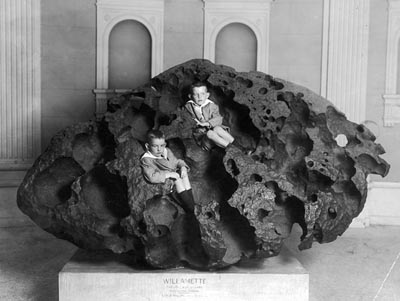 The Willamette Meteorite in 1911, a few years after it was found.