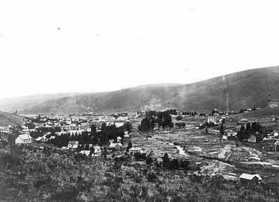An overview of the town of Heppner after the 1903 flood.