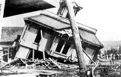 The T.W. Ayers house on May Street, Heppner, in the aftermath of the deadly flash flood of 1903.