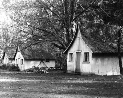 A row of dilapidated guest cabins were still on site in 1960, when Ben Maxwell made this photo.