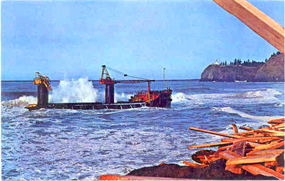 Doomed lumber barge George Olson aground on Clatsop Spit.