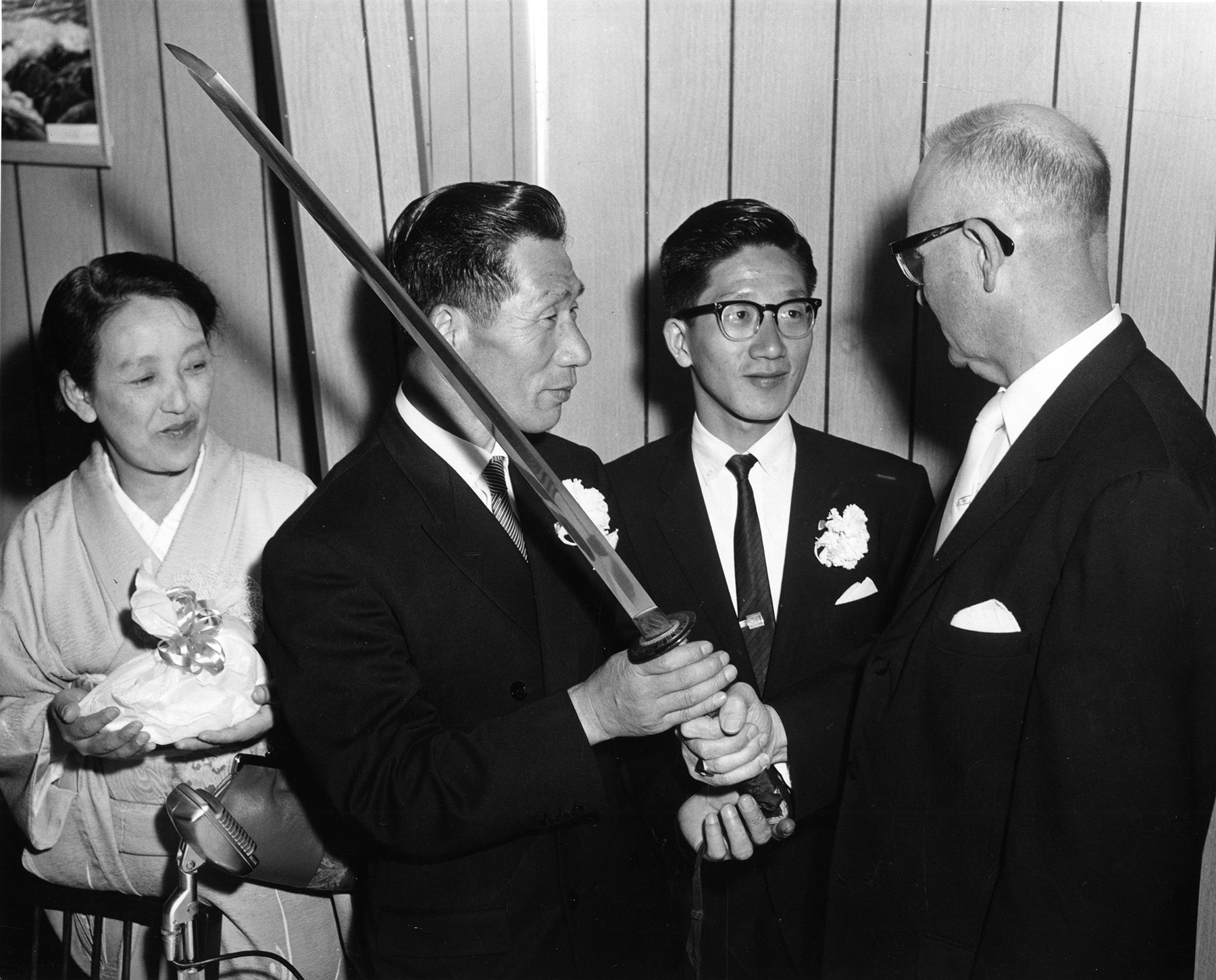 [Imagen: mccash-fujita-sword-1962-1800.jpg]